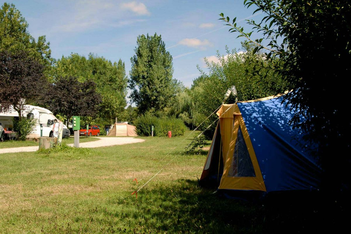 03-camping-Roybon-4-emplacements